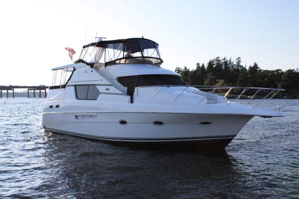 Silverton 453 Motor Yacht 453 Silverton Side view (Starboard)