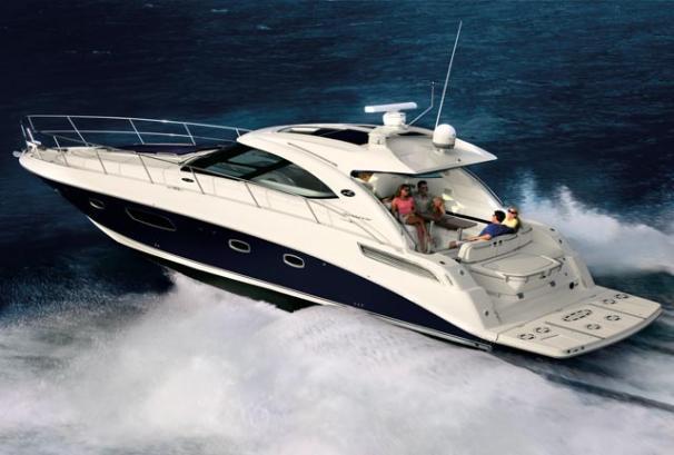 Sea Ray 470 Sundancer Manufacturer Provided Image