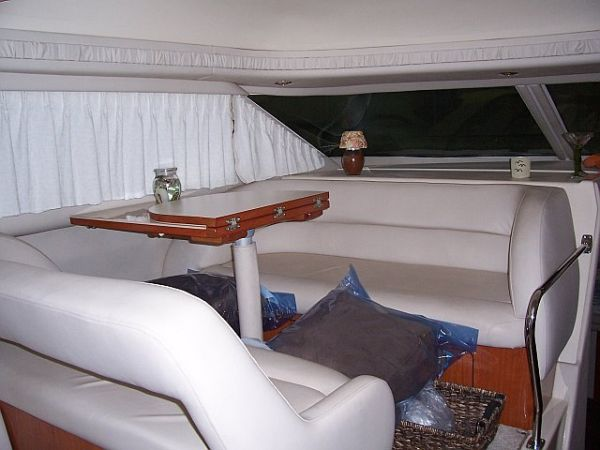 1999 Sea Ray 400 Sedan Bridge-Dinette