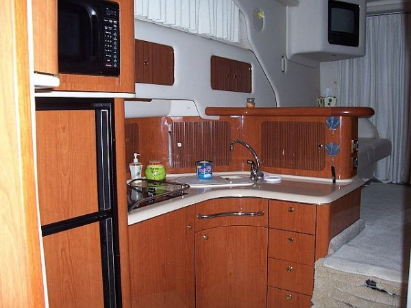 1999 Sea Ray 400 Sedan Bridge-Galley