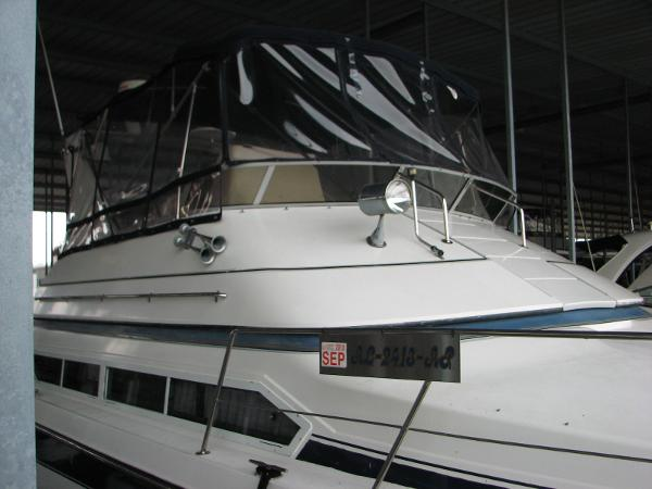 Carver 3867 Santego Midships