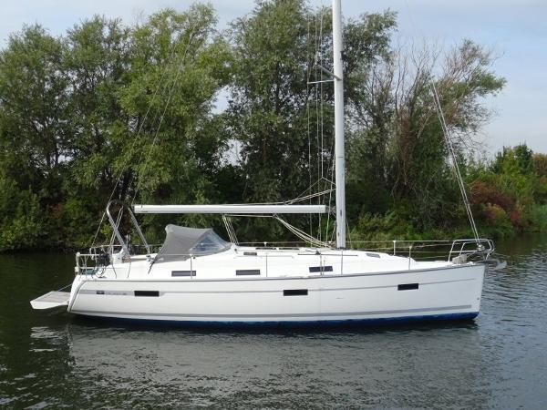 Bavaria Cruiser 36 Bavaria Cruiser 36