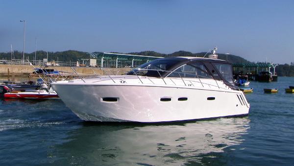 Sealine SC35 Motor Yacht Sealine SC35 Profile