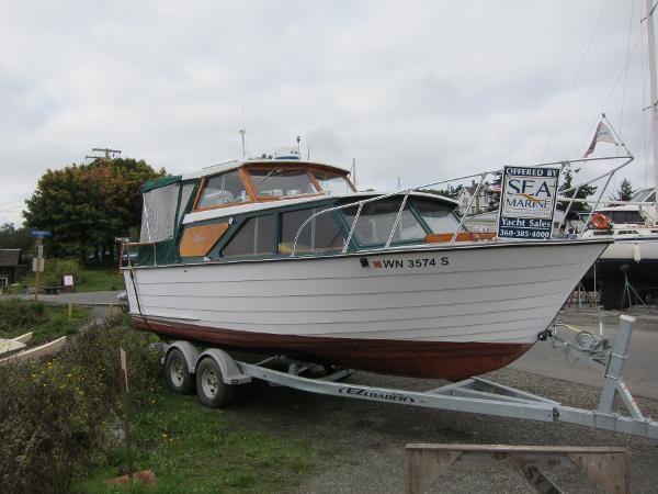 Carver Monterey 2580