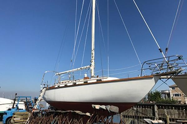 Cape Dory 36 Profile