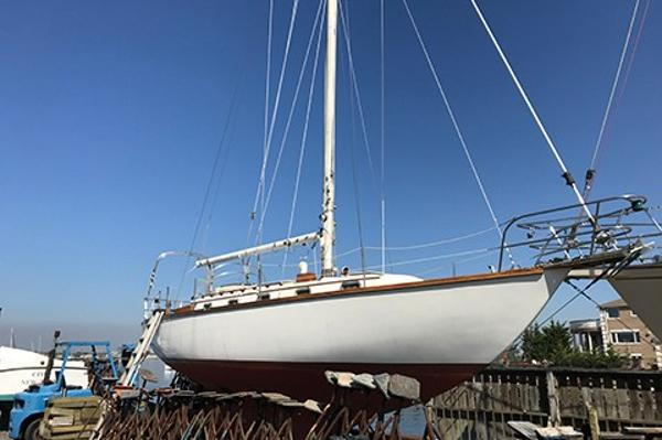 Cape Dory 36 Profile