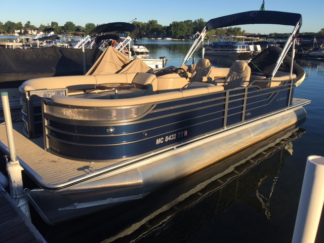 Crest Pontoon Boats 250/SLC