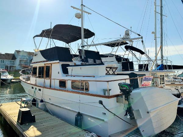 Marine Trader Double Cabin 1987 MARINE TRADER 38 DOUBLE CABIN PROFILE