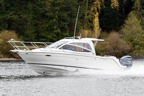 Cutwater C-24 Sport Coupe