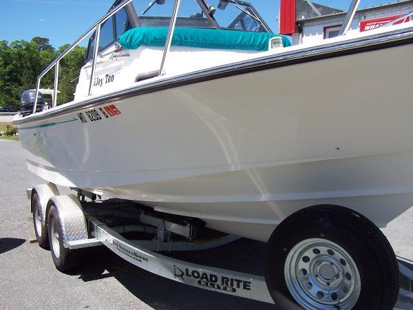 Boston Whaler 21 Walkaround Cuddy