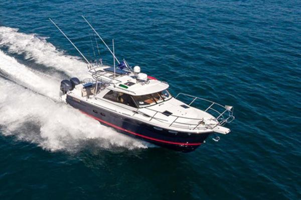 Cutwater C-302 Sport Coupe