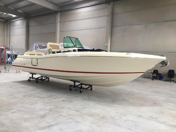 Chris-Craft Catalina 27 New 2019 Chris-Craft Catalina 27 for sale in Menorca with dealer offer - Clearwater Marine