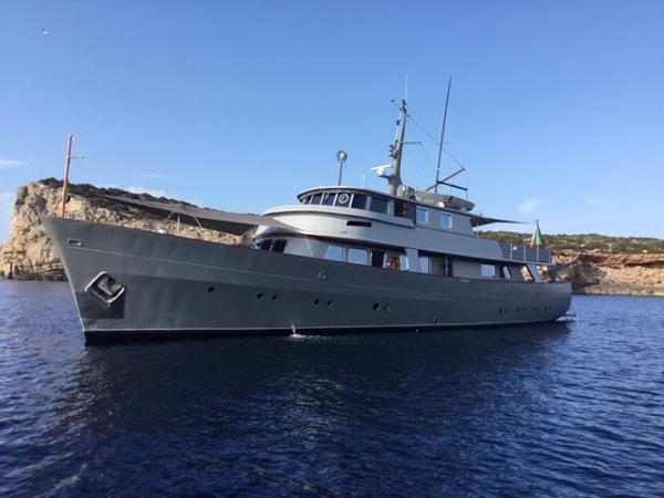 Custom 30M Richard Iron Works & Laurent Giles Steel displacement Motor yacht LA FENICE for sale