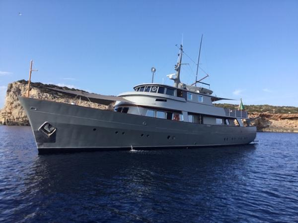 Custom 30M Richard Iron Works & Laurent Giles Steel displacement Motor yacht for sale