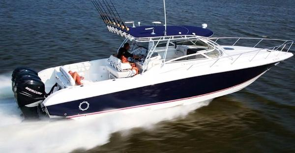 Fountain Sportfish 38 LX Fountain 38 LX (sistership)
