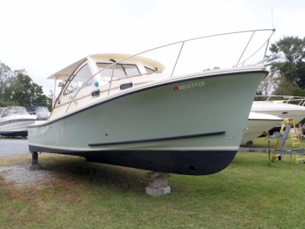 Eastern Seaway 27 Seafarer Starboard Bow