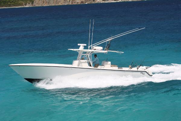 Sea Vee 390 Running Shot