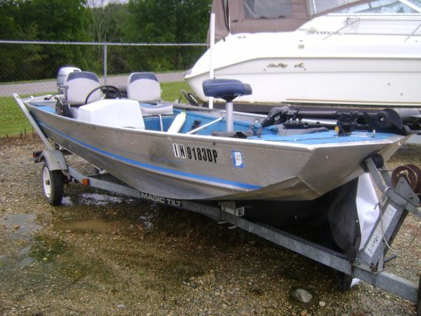Landau Boat Co Handler