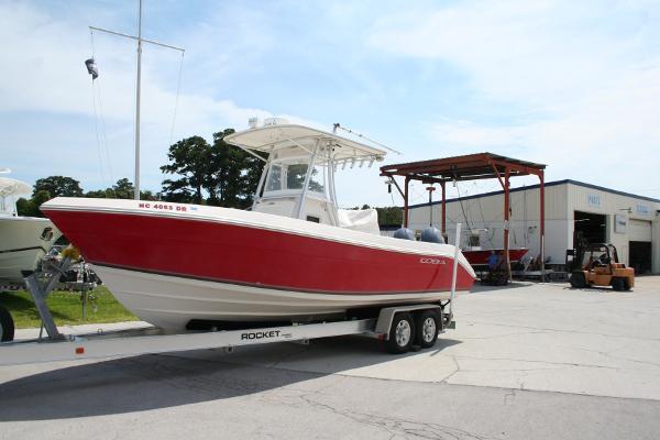 Cobia Boats 256 Center Console