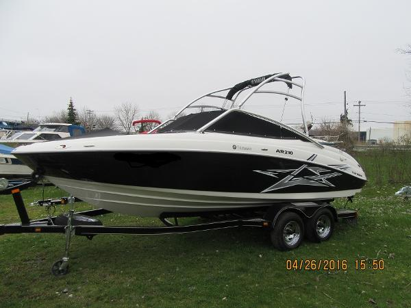 Yamaha Sport Boat AR 210 with Tower