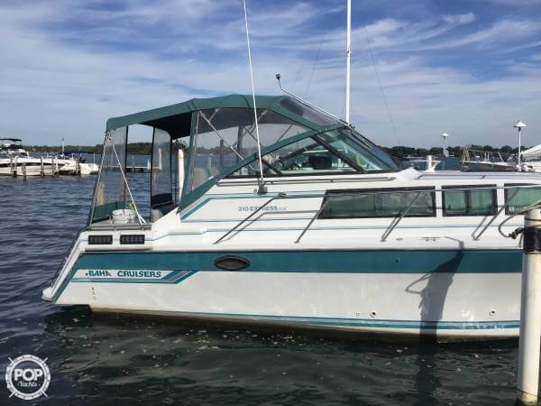 Baha Cruisers 310 EXPRESS 1989 Baha Cruisers 310 Express for sale in Charlevoix, MI