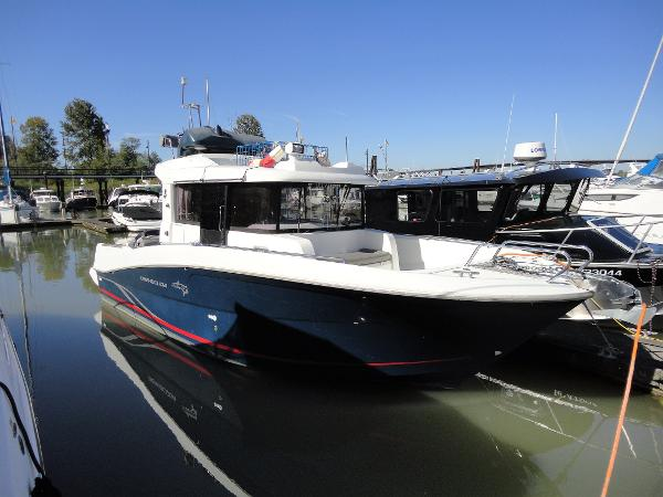 Beneteau Barracuda 9 Flybridge Version