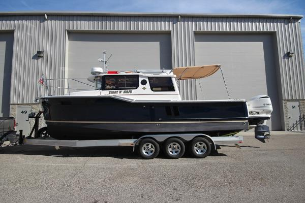 Ranger Tugs R-27 Luxury Edition with Trailer