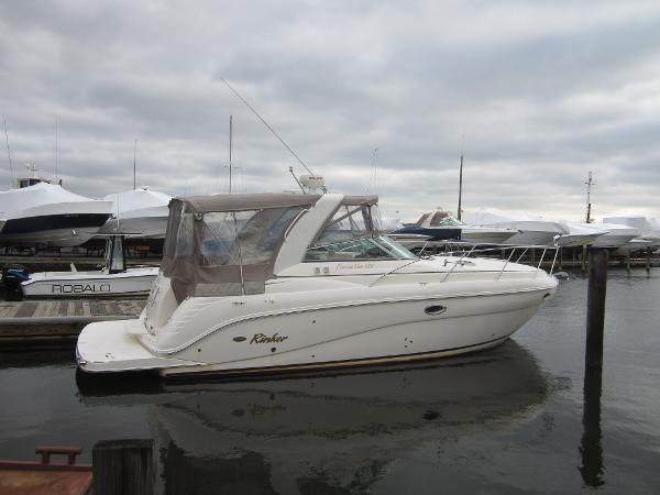 Rinker 320 Express Cruiser