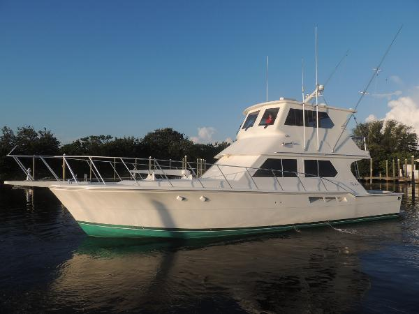 Ricker Bros Custom Sportfish 51 Enclosed Bridge Convertible Main Profile