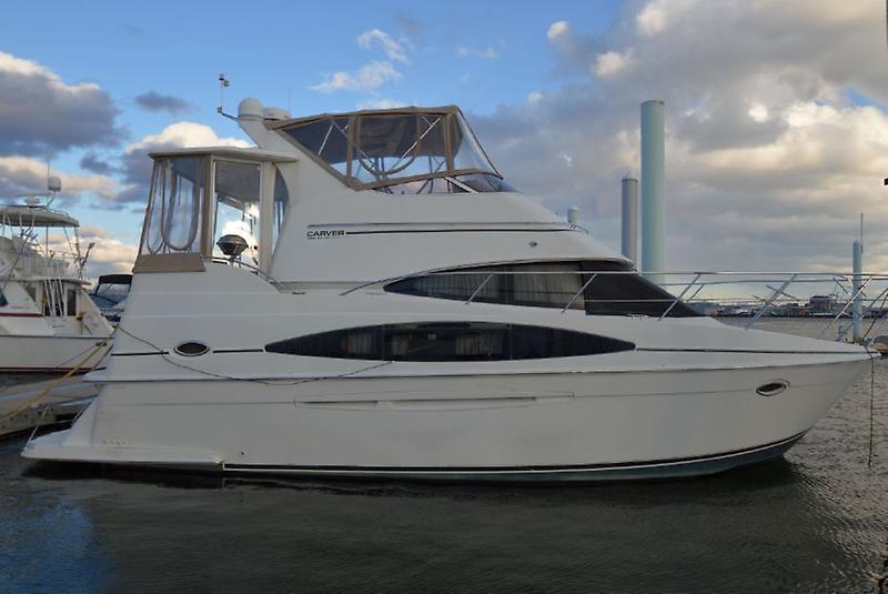 Carver 366 Motor Yacht 1.jpg