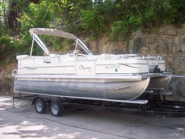 Odyssey Pontoons FC320