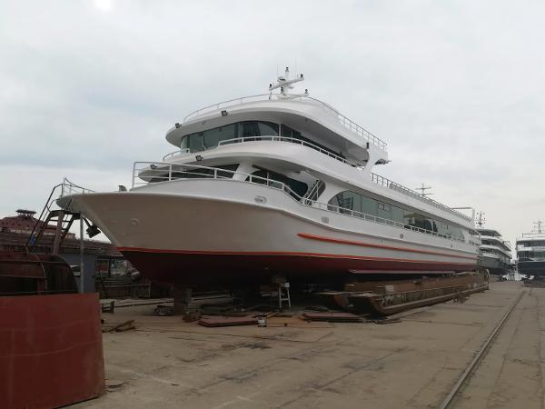 Custom-Craft Excursion-Restaurant vessel 425 pax