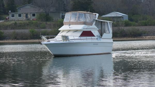 Sea Ray 380 Aft Cabin Cruiser