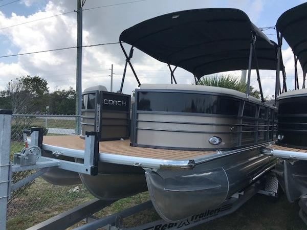 Coach Pontoons 250RE