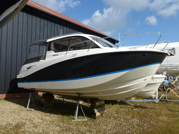 Quicksilver 705 Activ Cruiser Quicksilver 705 Activ