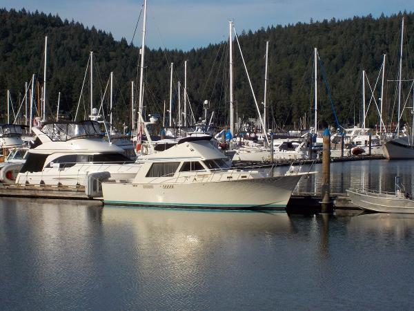 Tollycraft 37 S At Dock