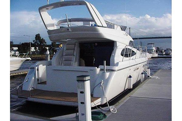Dyna Craft 51 Stern