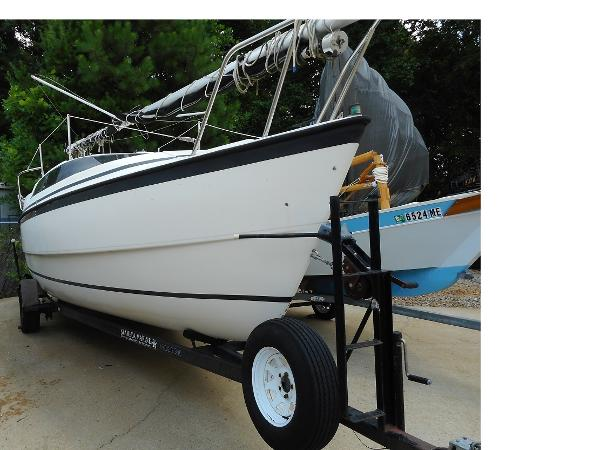 Macgregor 26X Powersailer Starboard View on Trailer