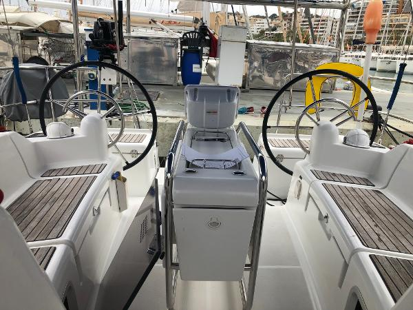Jeanneau Sun Odyssey 409 Main Cockpit View (1)