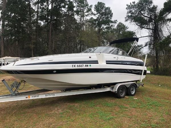 Ebbtide 2400 Deck Boat