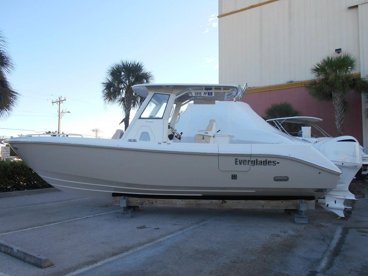 Everglades Boats 295 CC