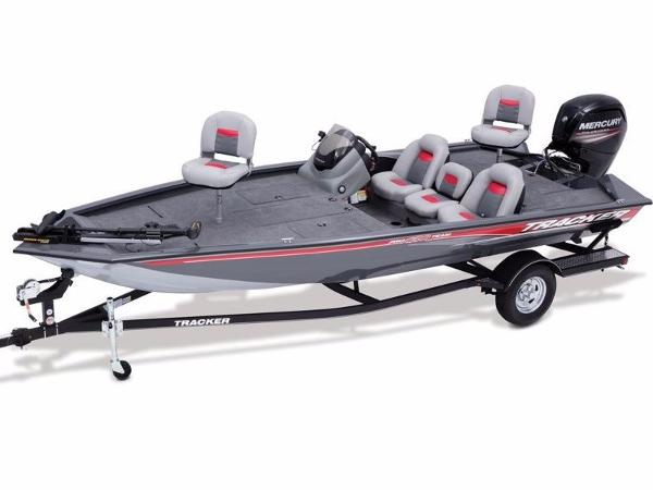 Tracker Pro Team™ 190 TX With trailer