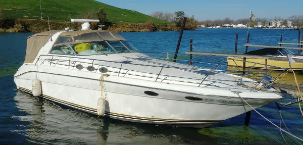 Sea Ray 370 Sea Ray Main Picture