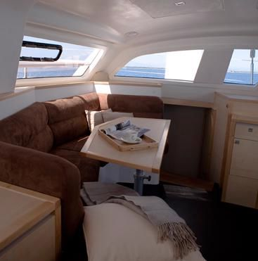Catana 42 Saloon