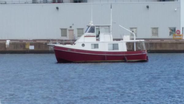 Kadey Krogen Manatee Port side view