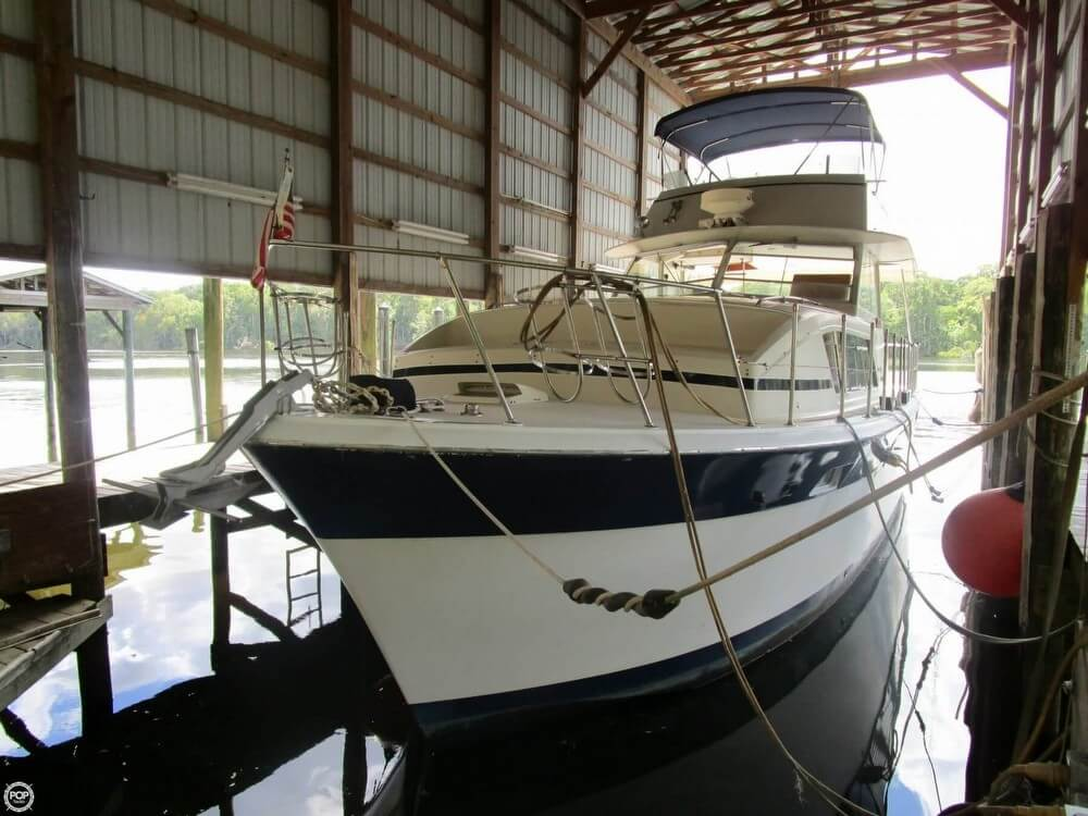 Chris-Craft 410 Commander 1974 Chris-Craft 410 Commander for sale in Satsuma, FL