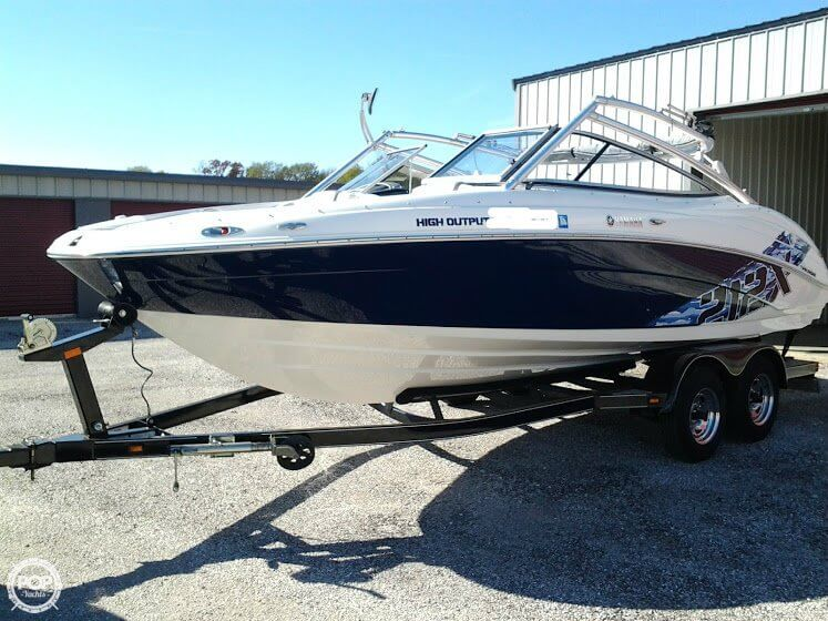 Waterloo new and used boats for sale for 41 ft mainship grand salon