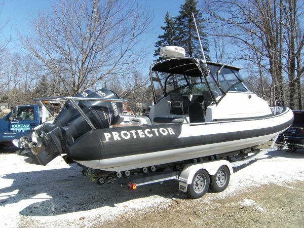 Protector 28 Targa