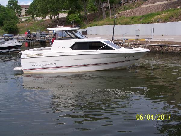 Bayliner 2452 Classic Cruiser Profile