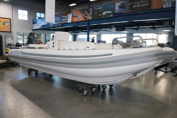 Novurania Catamaran 24
